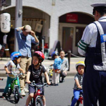 【交通安全教室】杉並警察 × 30分で乗れる自転車教室|高円寺びっくり大道芸に登場
